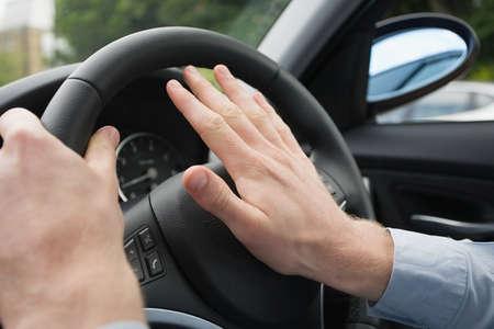 car-horn.jpg